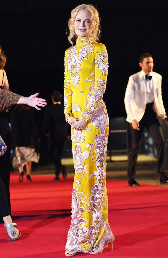 妮可基德曼对旗袍是真爱啊!20多年过去,气质品味依然纹丝不动