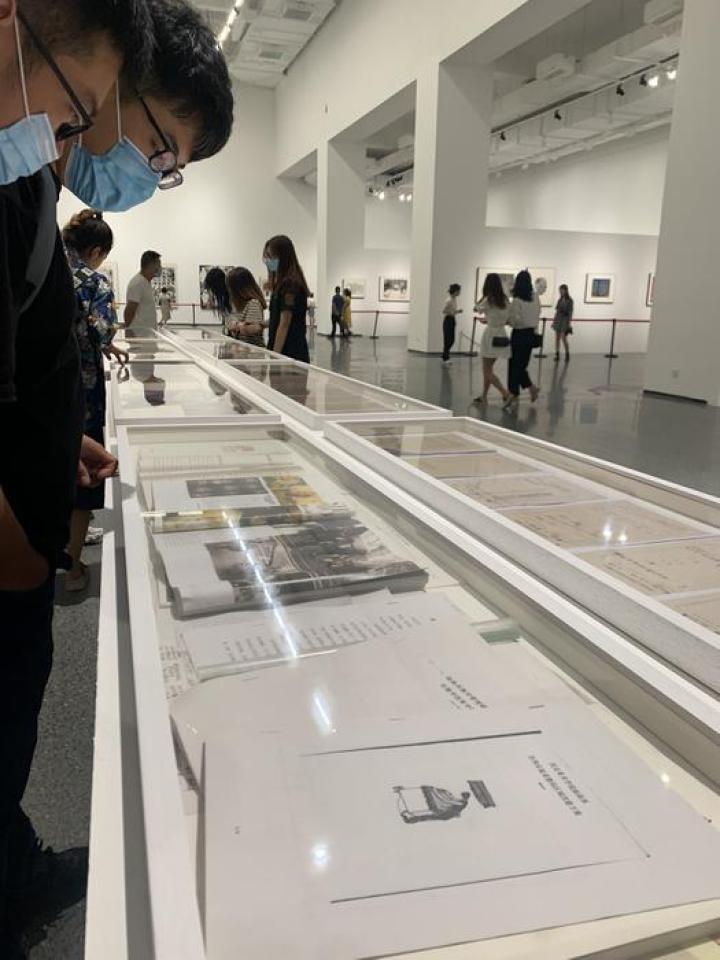 """回溯中国版画这六十年""""回漪·展觐——西安美术学院版画60年文献展""""开幕"""