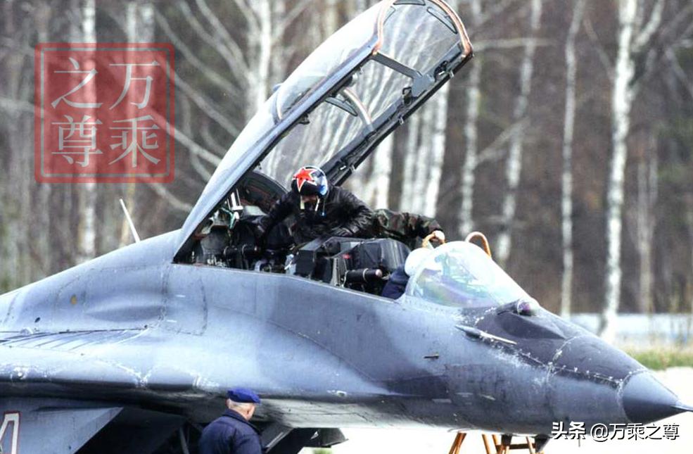 真是财源滚滚,计算30年来俄罗斯卖给中国的武器赚了多少钱