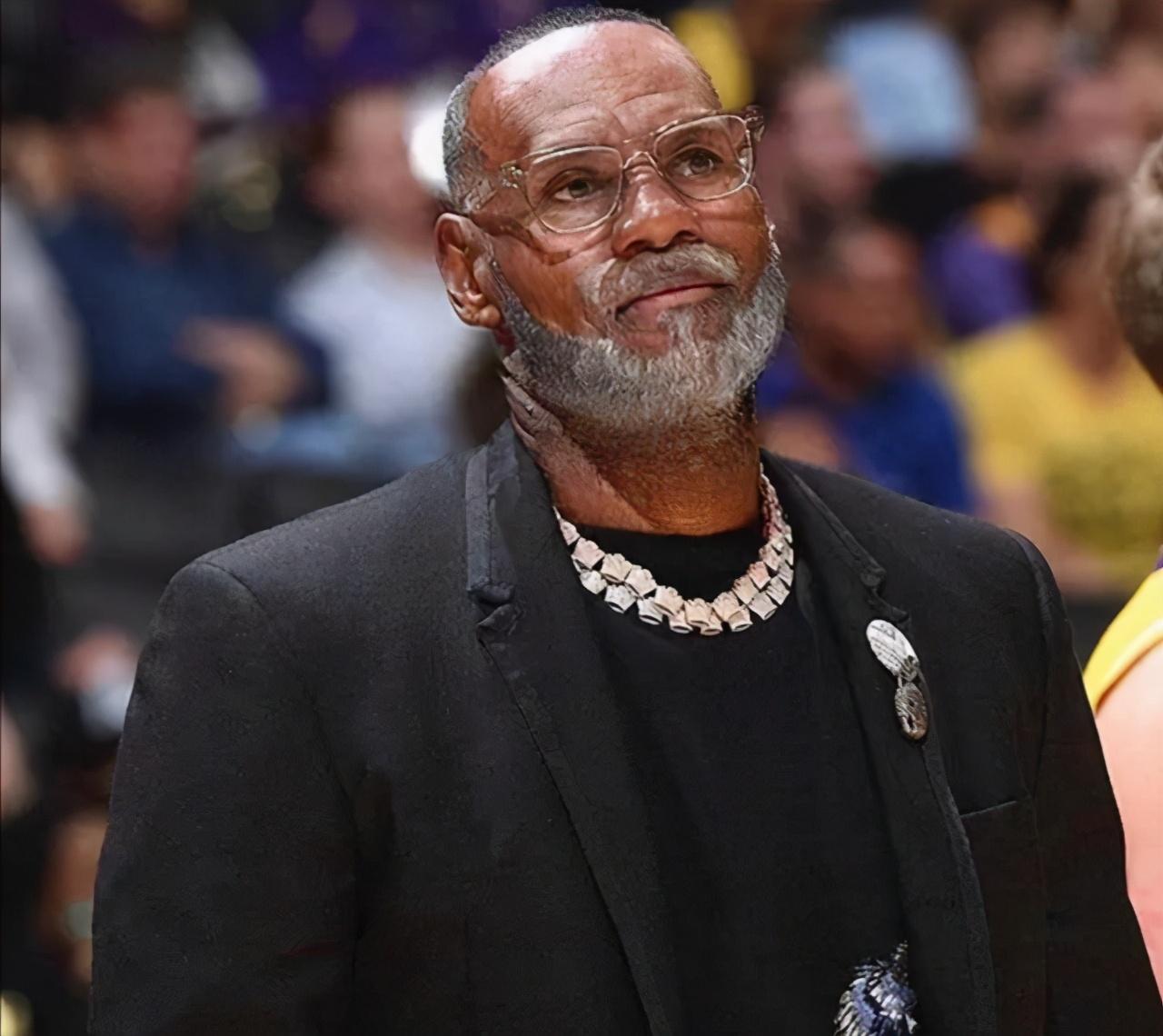 這些NBA球星老了長什麼樣?東契奇與波波維奇相似,星海哥老了依舊是男神!-黑特籃球-NBA新聞影音圖片分享社區
