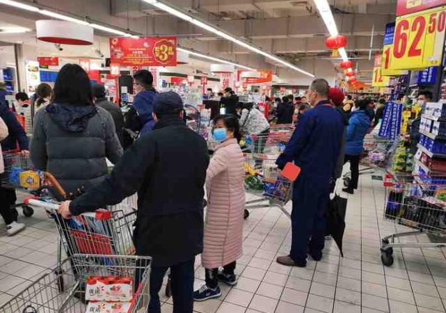 全国超市销售额大比拼:家乐福第8,永辉第3,盒马增长185%