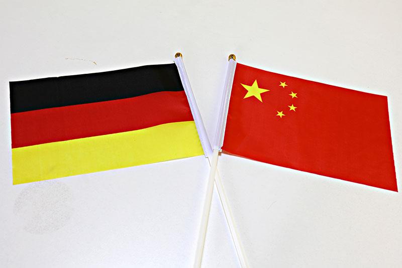 """默克尔的努力全都白费?""""对华强硬""""突然风靡德国,58%德受访者给出态度"""