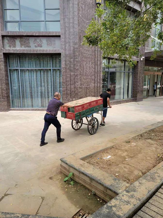 连日来,河南省遭受到特大暴雨侵袭,多地受灾严重,让群众的生活