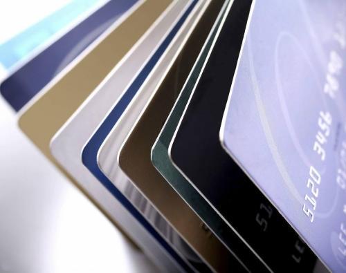 信用卡逾期后,可以协商分期还款吗?还能免除利息和滞纳金?