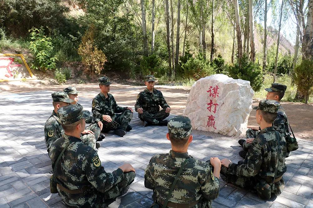 """武警<a href=http://www.cngansu.cn/ target=_blank class=infotextkey>甘肃</a>总队天水支队:毕业学员""""淬火""""忙"""