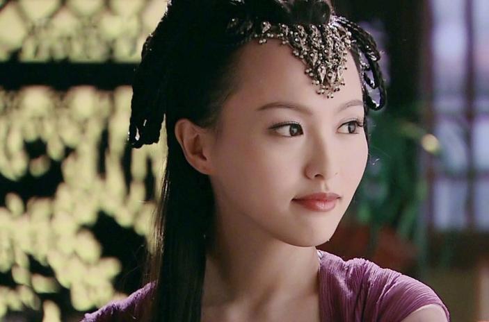 唐嫣亮相《王牌》直播,再扮紫萱的她,这真是37岁的状态?