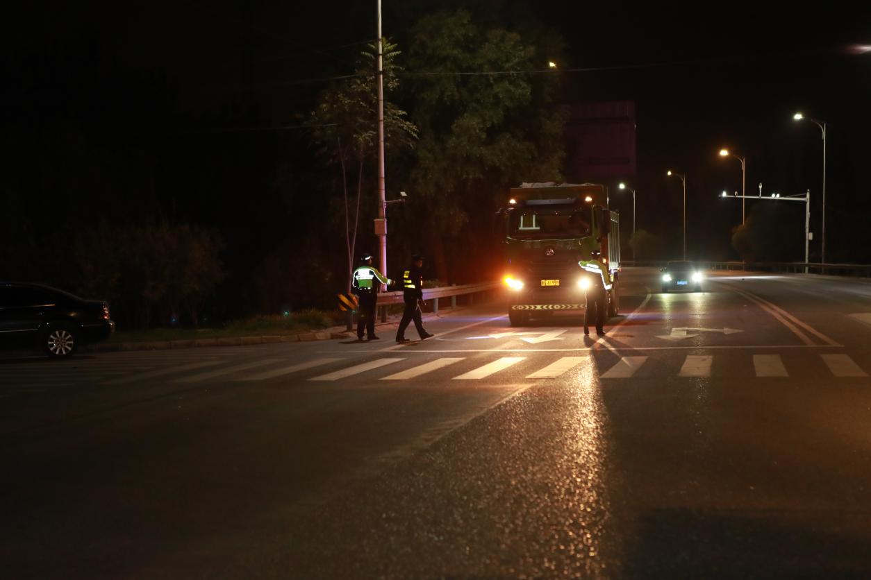 石家庄市交管局迅速部署强化黄牌货车管控工作