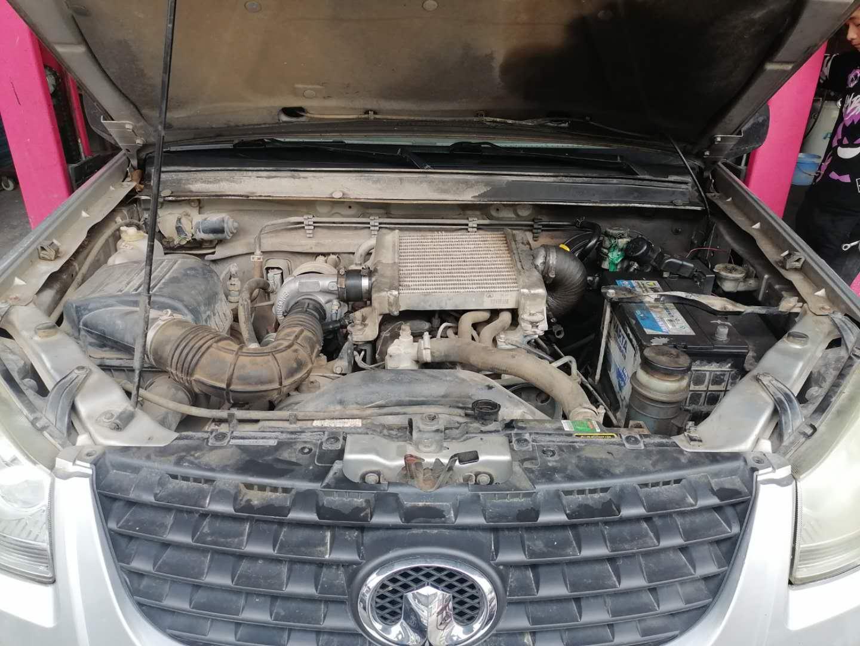 发动机烧机油冒蓝烟大修完毕 但缺缸抖动把胖哥难住了