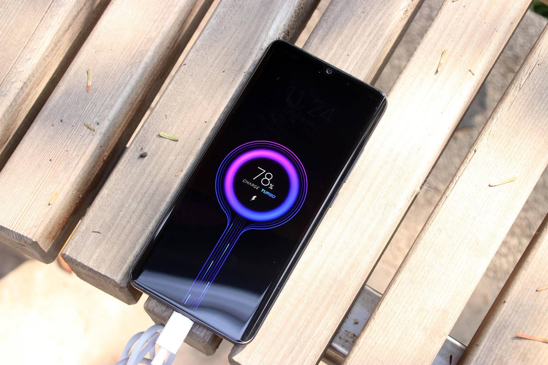 小米手机CC9 Pro先发入门:单叶双曲面 1.08亿五摄 最漂亮的红米手机?