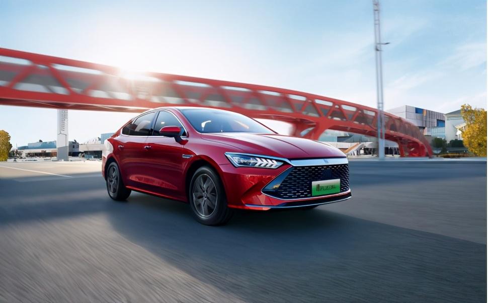 同比增长近200%,比亚迪新能源汽车销量再创新高