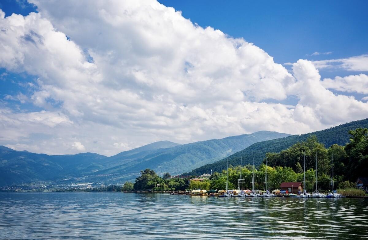 七八月旅行,就来这些景美人少的避暑胜地过一个25℃的夏天