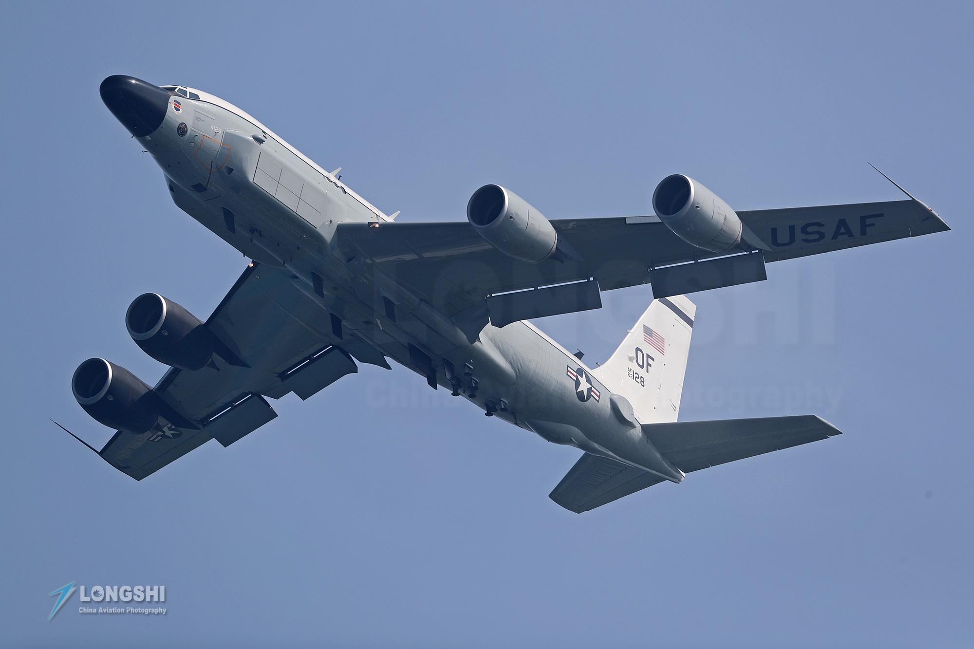解放军东海军演,美军已经不淡定,动用导弹侦察机,偷窥本性难移