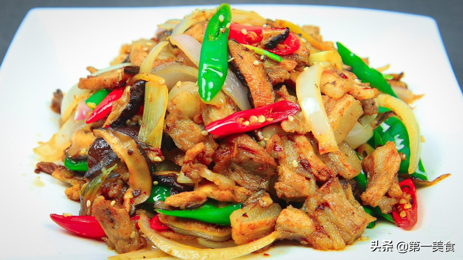 香菇小炒肉怎么做才好吃,大厨教分享技巧,香菇滑嫩,肉片不油腻 美食做法 第12张
