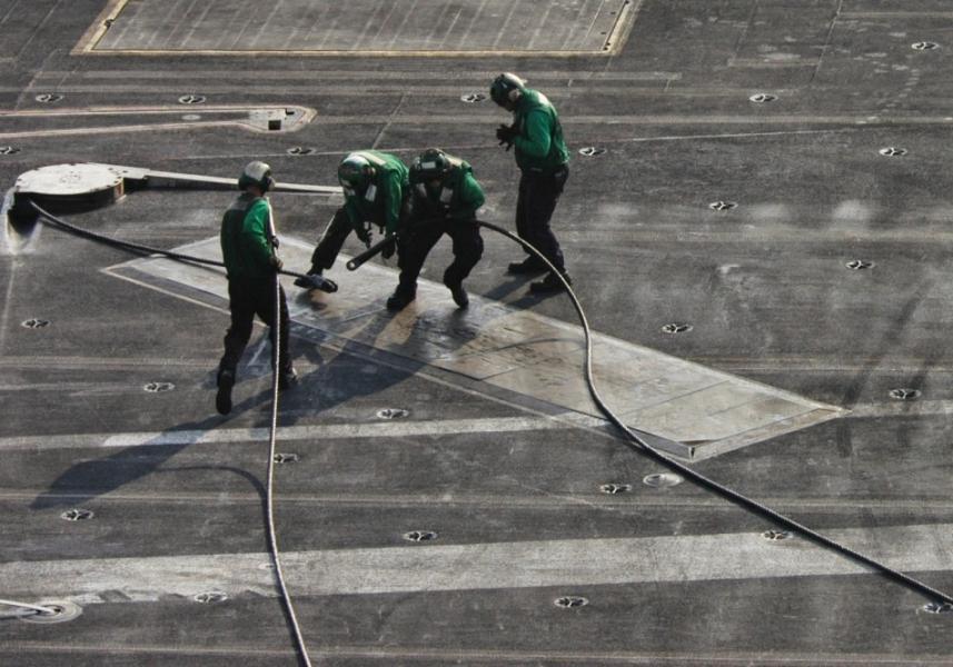 中国航母拦阻系统直奔电磁阻拦,一根高达150万美金,技术有多难