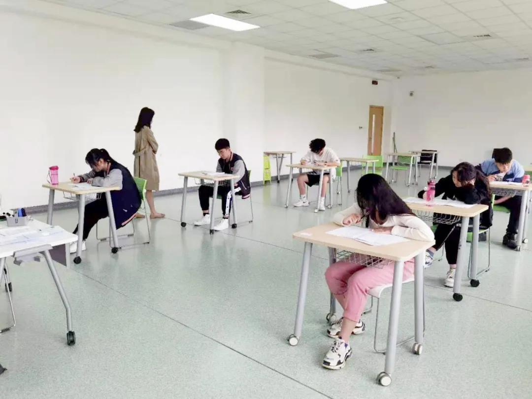 英国剑桥国际高考在英迪拉开序幕