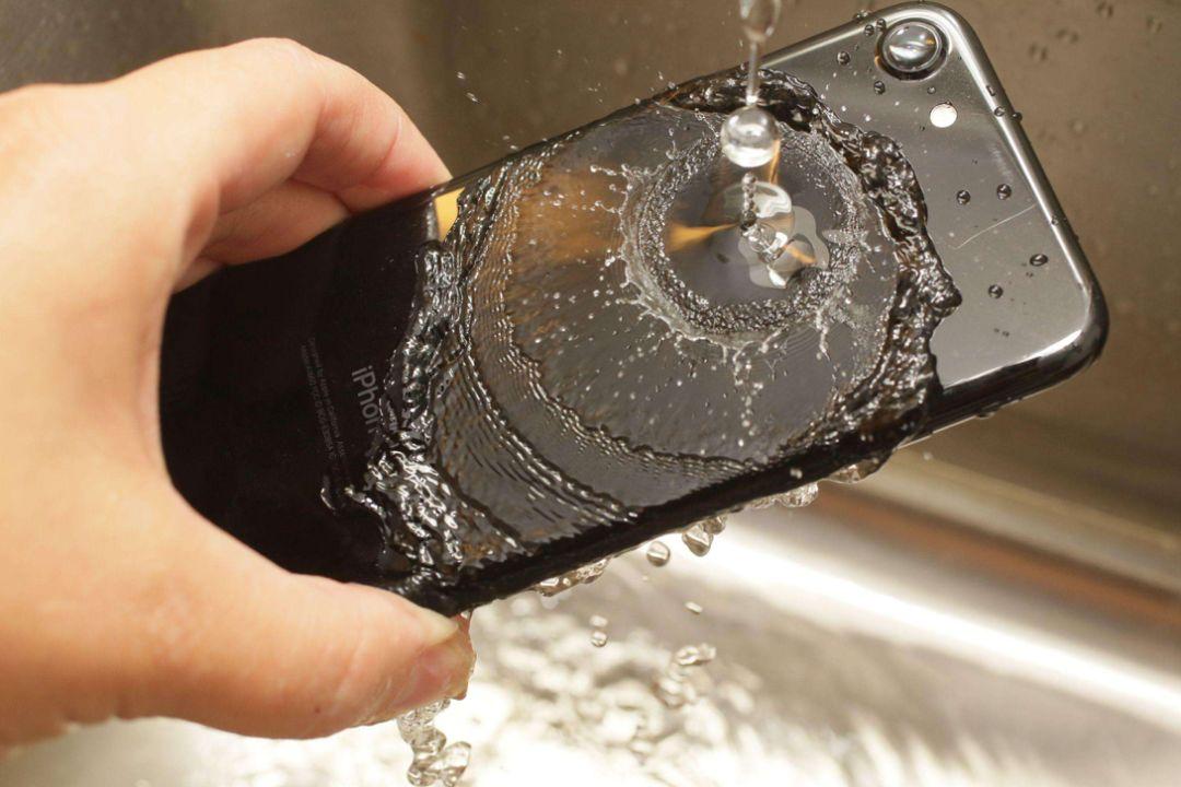 防尘防水等级科普:IP67 和 IP68 有何区别?