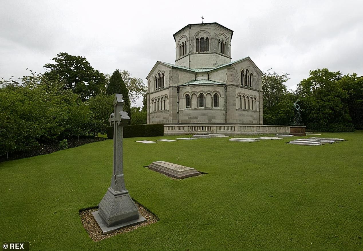 英国女王将为菲利普亲王守丧八日,墓地、葬礼与其他王室成员有异