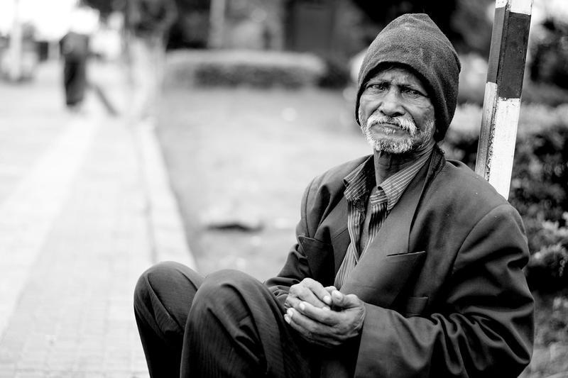"""我們身處一個不完美的世界,卻總有人要求""""完美窮人"""""""