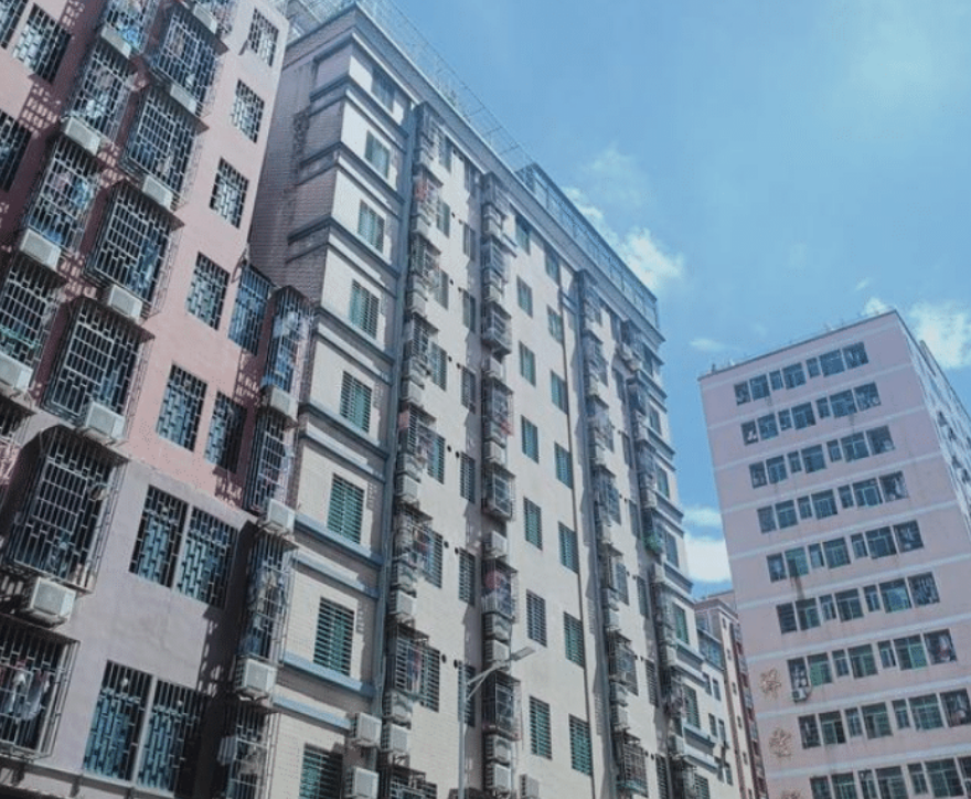 房东不到4月3次涨价,租客与其理论反遭斥责,房东:想租租,不租搬走