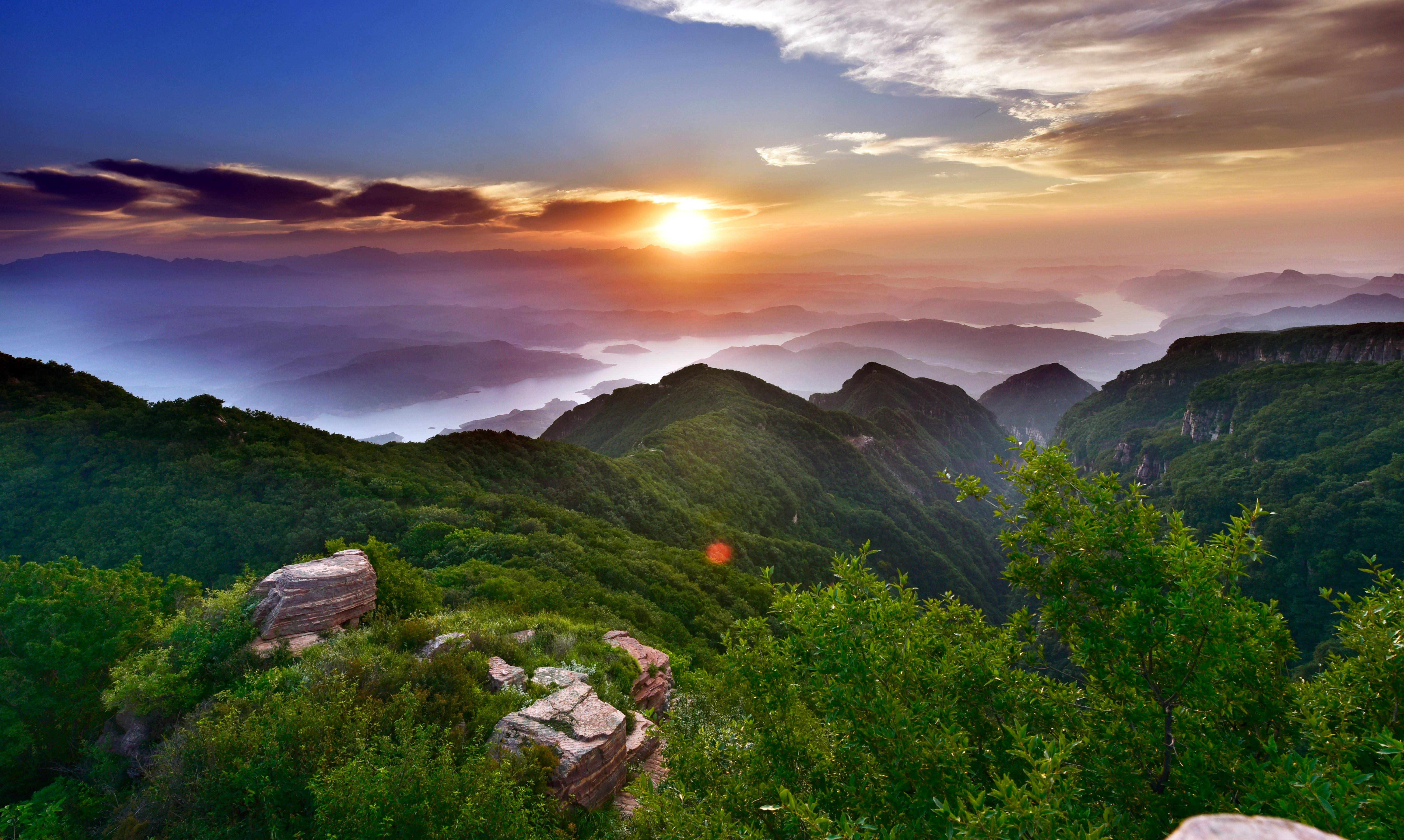 河南最牛景区:一脚踏两省,一眼看四个城市,你知道这是在哪吗?