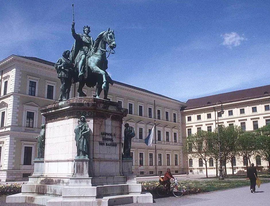 学德语比学英语更有前途?