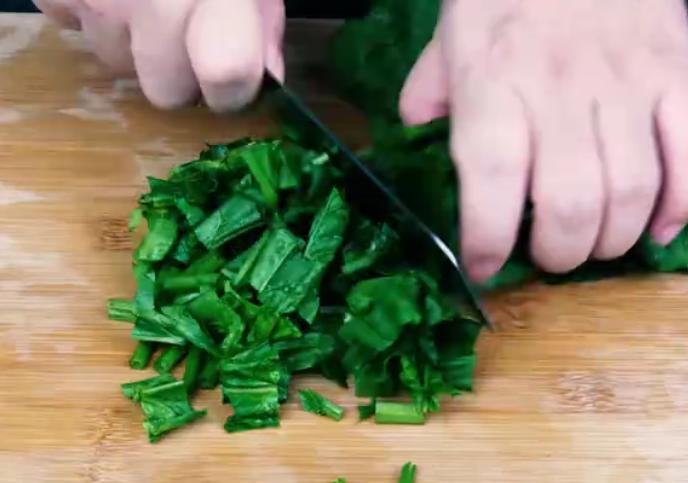 教你一个菠菜新吃法加 了菠菜蛋糕做法