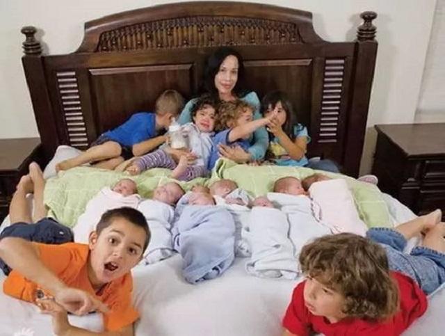 """【90后宝妈生下8胞胎,还没等高兴几天,带孩子却成""""世纪难题""""】图1"""