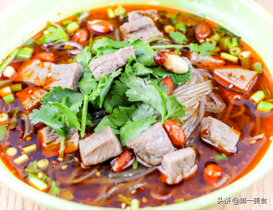 学一碗酸汤,做百种饭!教你秘制酸汤做酸辣粉,酸辣过瘾全靠汤