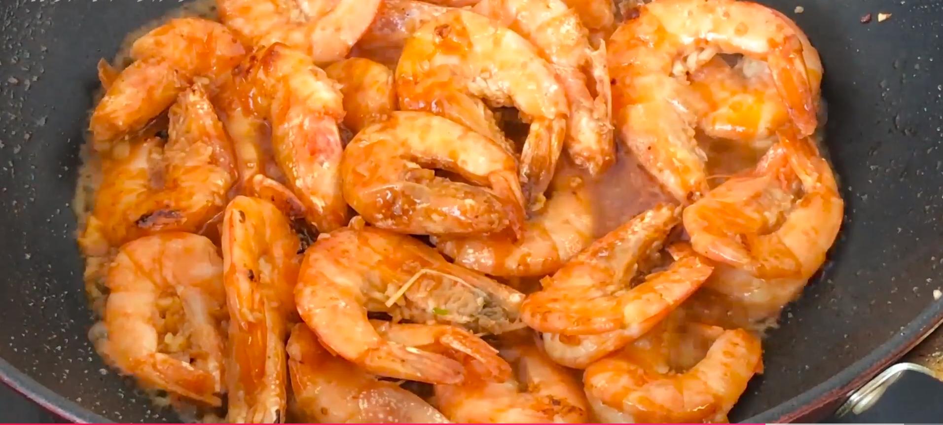 做大虾时,不要直接用水煮,教你正确做法,虾肉鲜嫩入味超好吃 美食做法 第13张