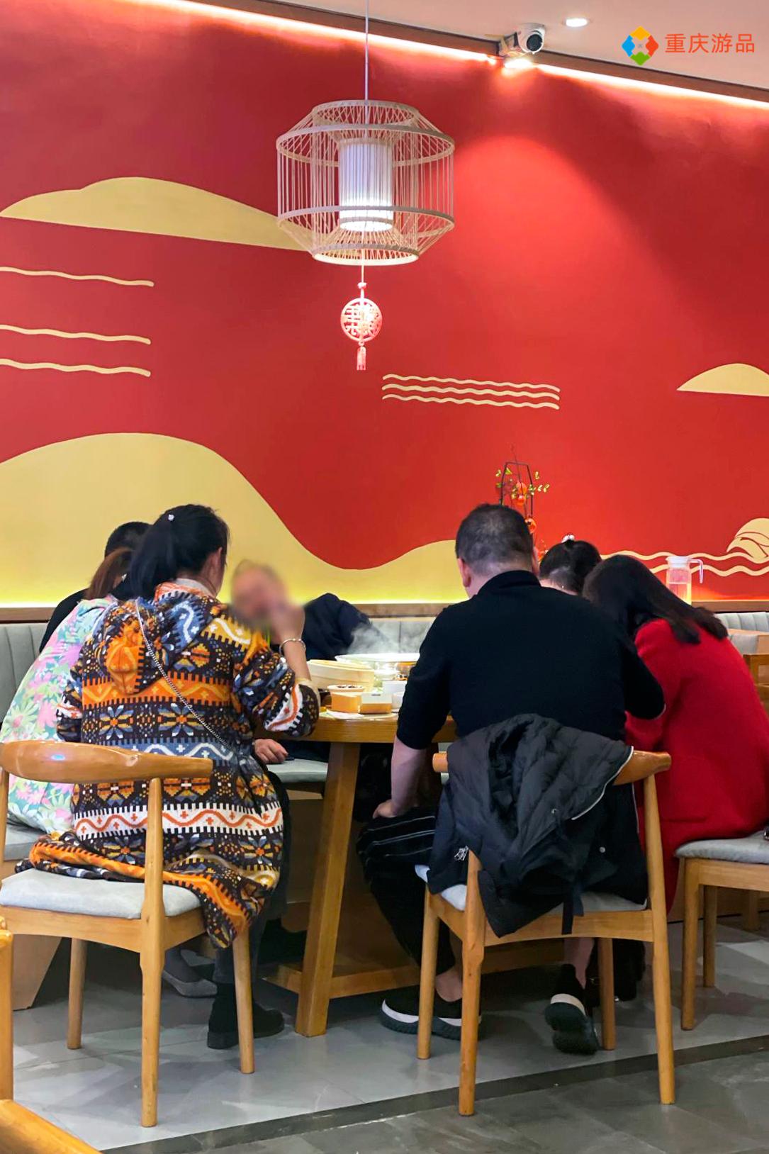 在重庆吃北京烤鸭,截然不同的做法,让广州的朋友大呼过瘾