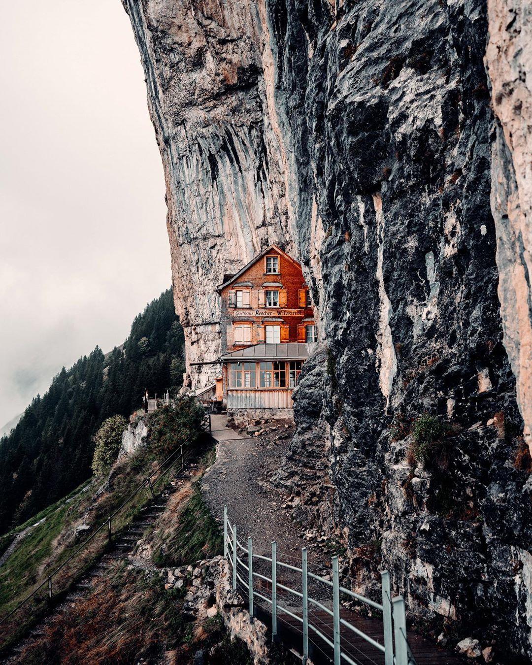 3f6471760bdd4bad97851169a5a5a240?from=pc - 瑞士:一个童话般的国家