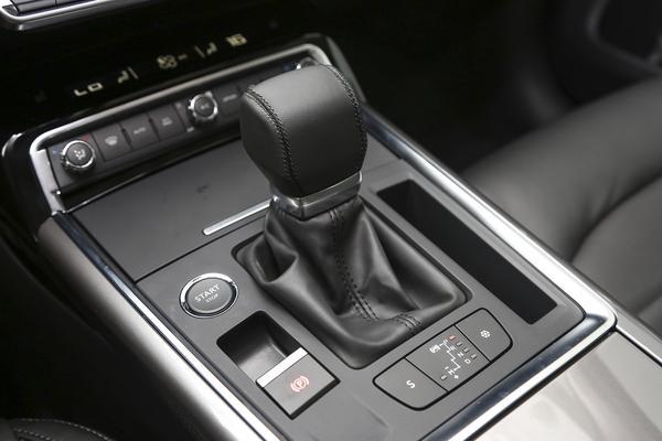 雪铁龙C6:优质三大件+1.8T引擎,B+级定位也卖不动的法系车