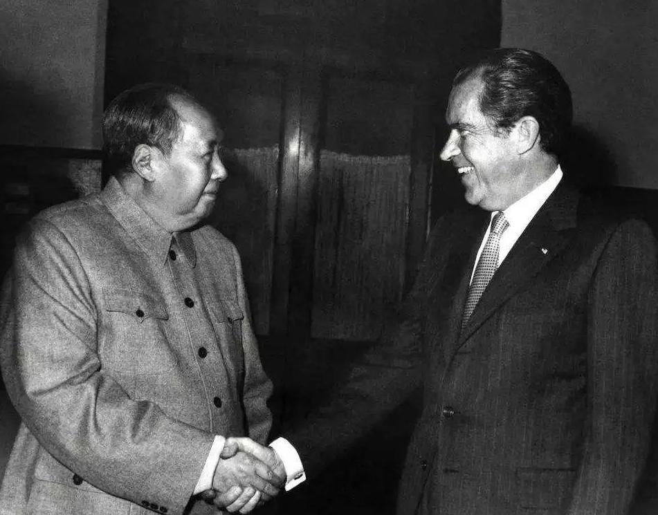 1971年,毛主席从睡梦中醒来,下了个通知,影响中美关系走向
