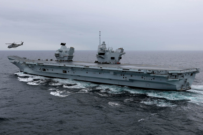 英国扬言派军舰来中国要赔偿,中国航母和东风导弹吃素?