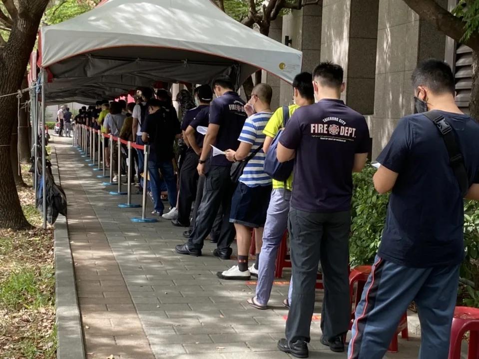 台中市疫苗三天就打完,盧秀燕嗆民進黨當局:現在是怎樣?