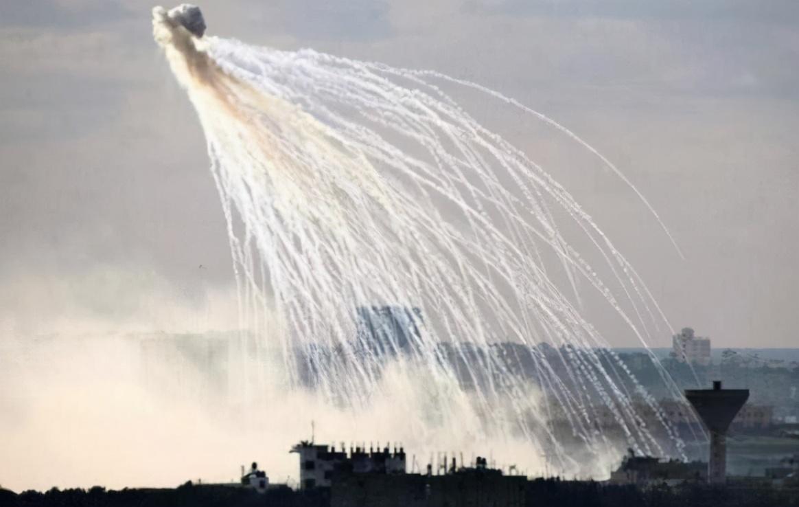 无视国际公约!阿塞拜疆违规发射白磷弹,可迅速致人伤残或死亡
