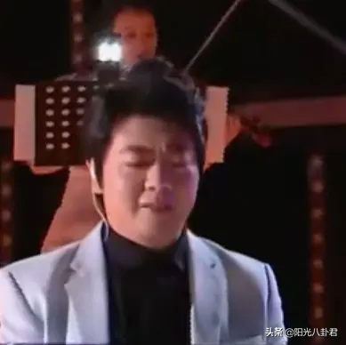 五大卫视跨年:张韶涵真唱翻车,芒果主持拖后腿,刘敏涛实力抢镜