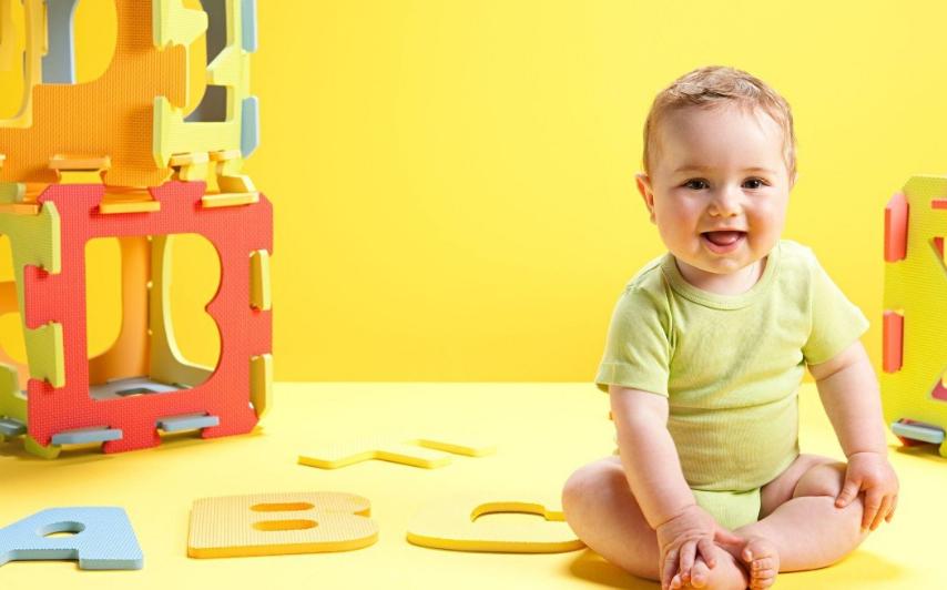 """想讓寶寶學會走路,家長巧用5個方法,孩子""""健步如飛"""""""