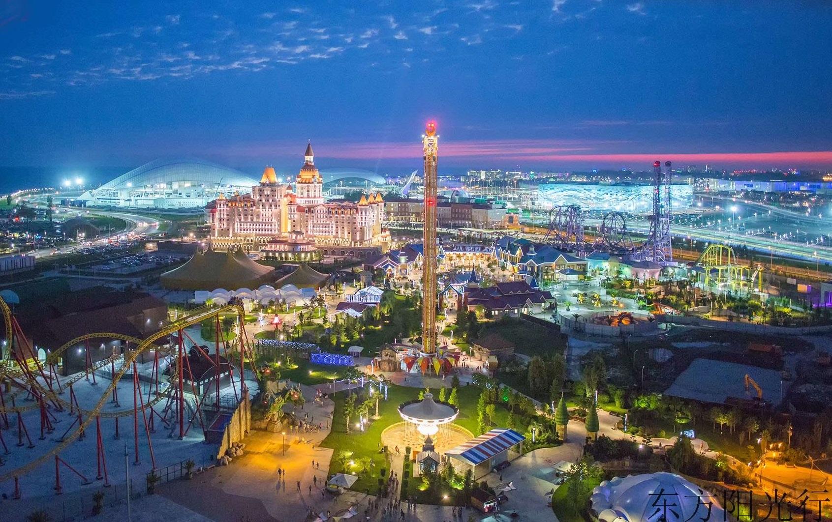 """索契:俄罗斯最狭长城市,背山面海气候温暖,被誉为""""黑海明珠"""""""