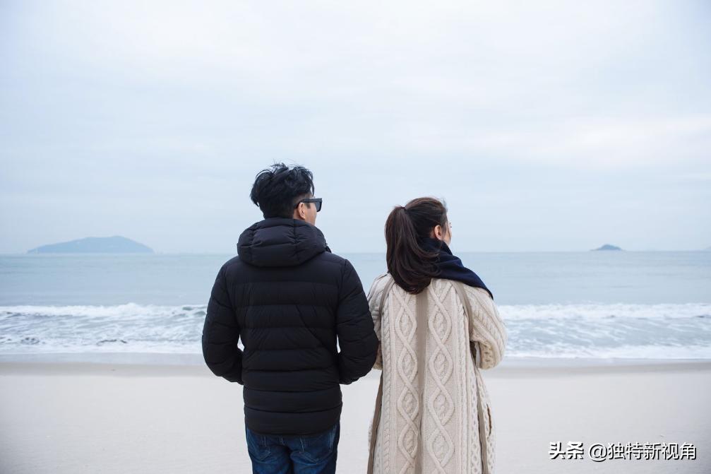 """张智霖一直喊""""别买了""""!袁咏仪对包的挚爱,还是有增无减"""