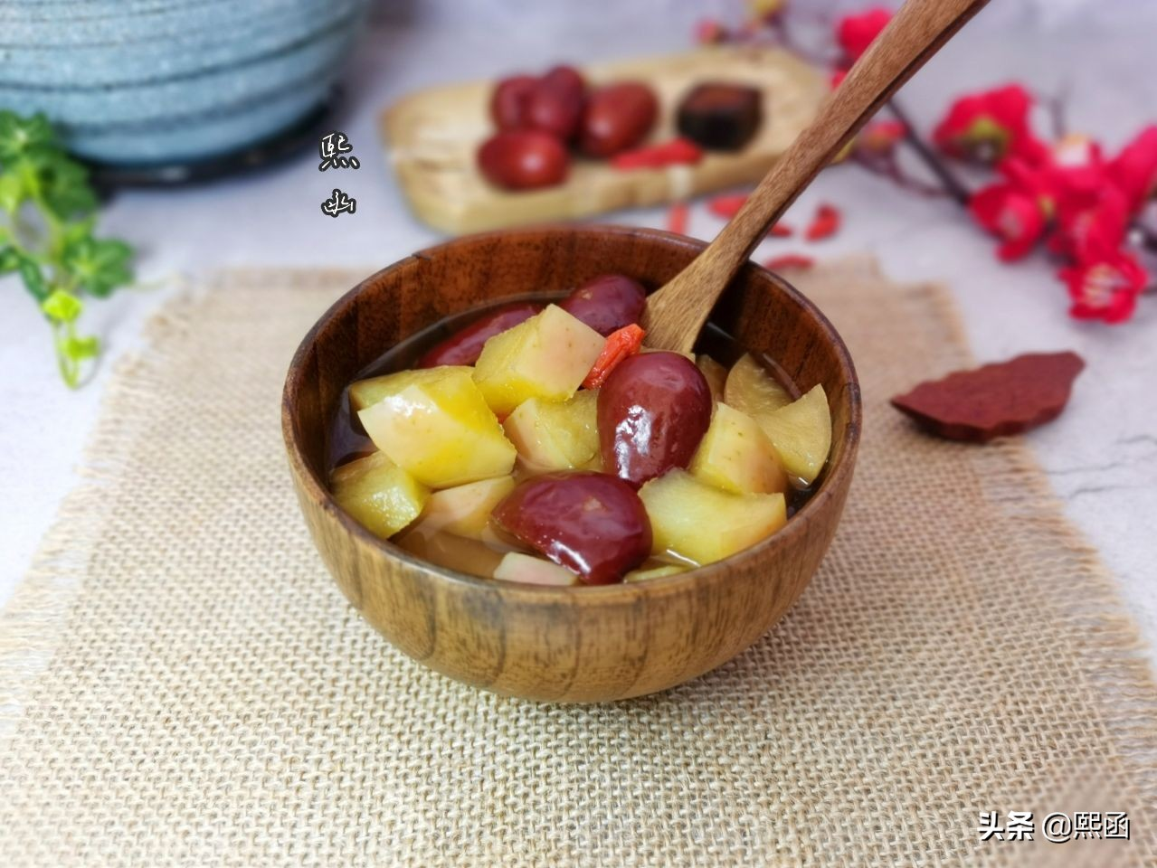 春天,把苹果和红枣一起煮,隔三差五喝几次,作用真不小 美食做法 第12张