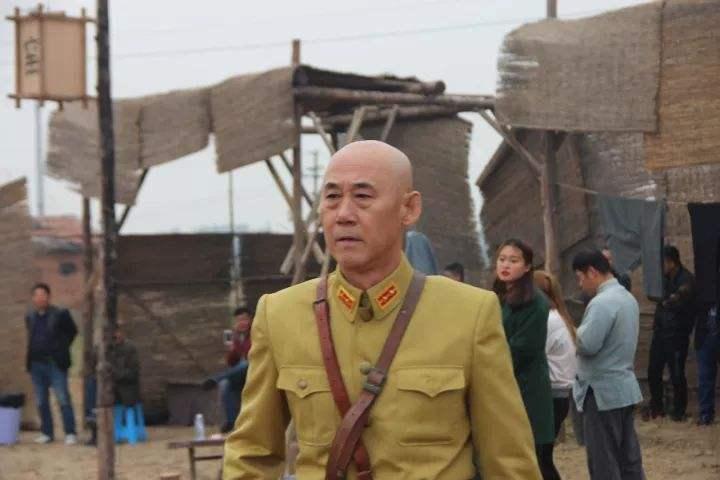 著名影视演员韩英群艺术简介