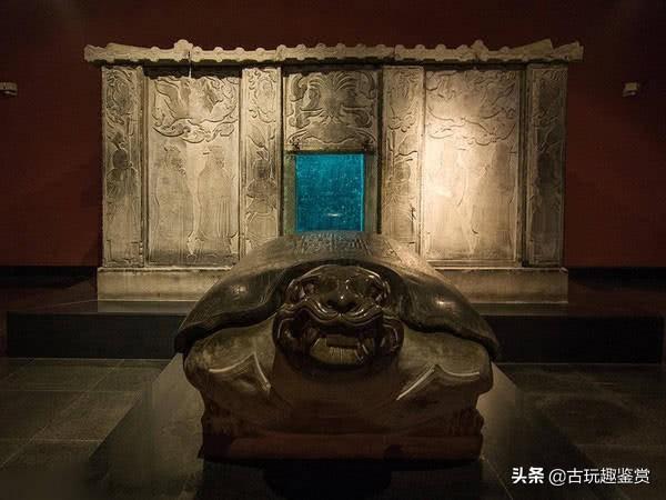 """千年古墓现""""发现秘密"""",女尸身着龙袍,身份并不是武则天"""