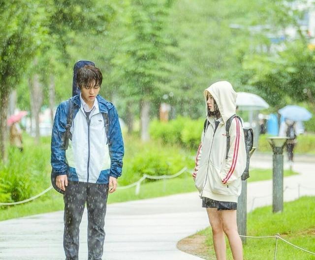 又是一部韩国高颜值甜宠剧,呆萌脑洞少年爱上霸气高冷女孩