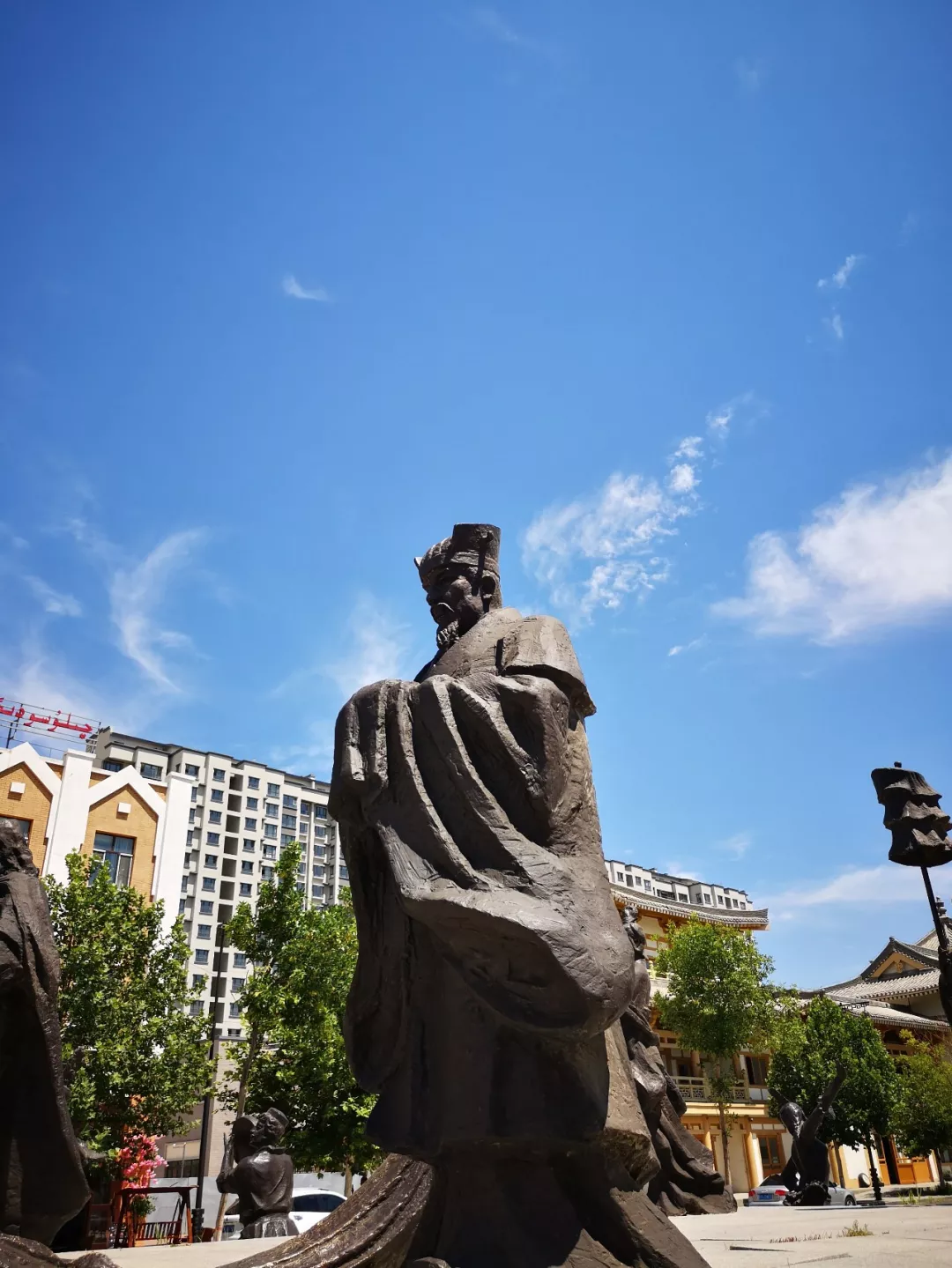 伊犁丝绸之路文化旅游城:民族文化和薰衣草文化专题博物馆
