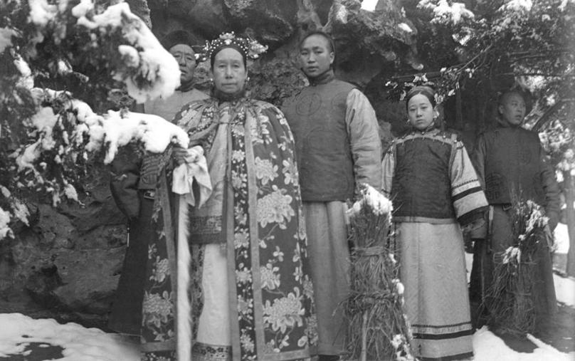 百年前清朝人的真實樣貌,法國攝影家拍下的罕見彩照,差距太大了