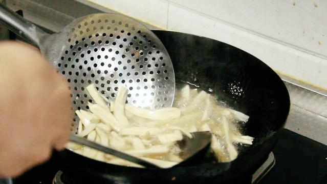 把芹菜炒杏鲍菇当做招牌菜? 美食做法 第17张