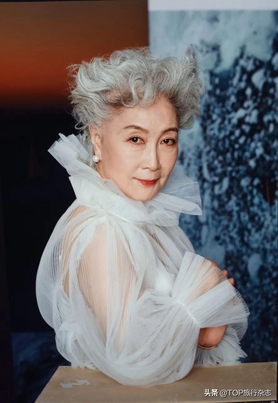 中国奶奶走T台惊艳世界!72岁的她活成了许多人梦想中的样子