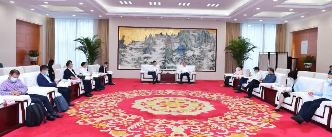 安徽省长王清宪与多弗集团董事长胡兴荣举行工作会谈