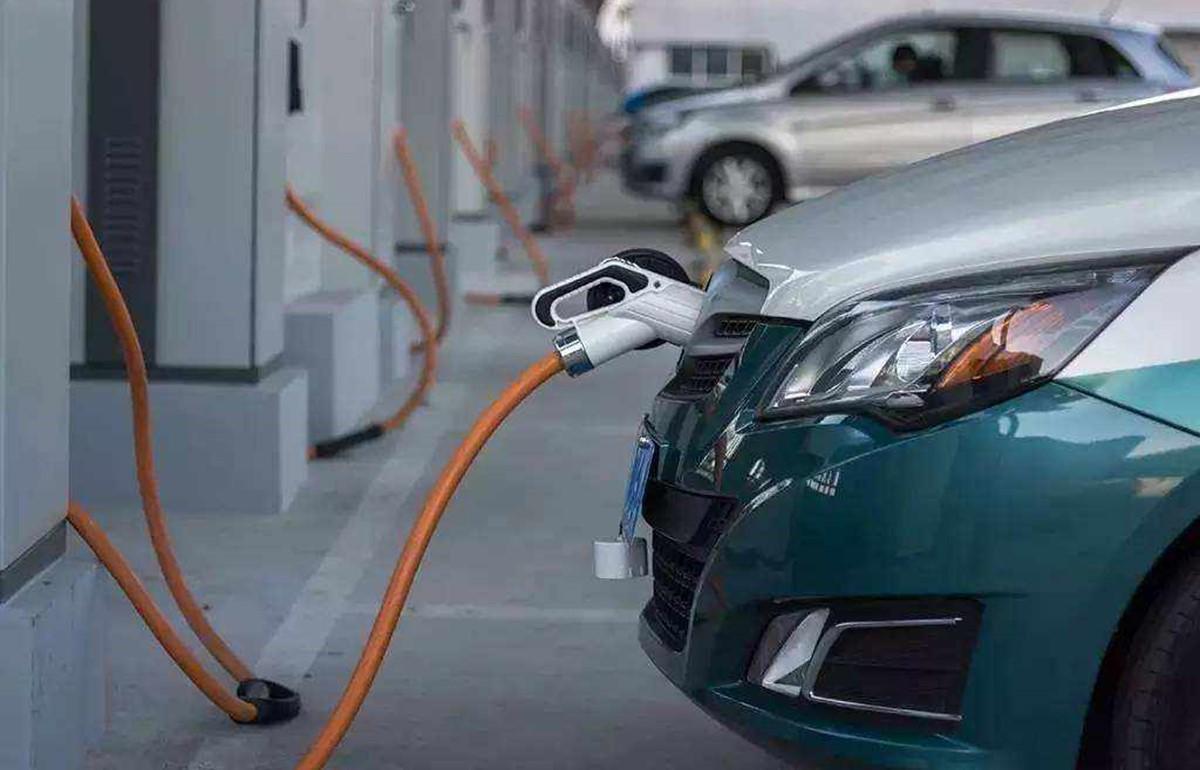 汽车充电桩与电动自行车充电桩谁更值得投资?